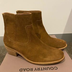 Country Road Size 5.5 Ladies Suede Leather Boots